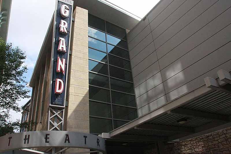 Arena Grand Theatre